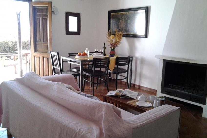 Apartment - 2 Bedrooms with Pool and WiFi - 107439